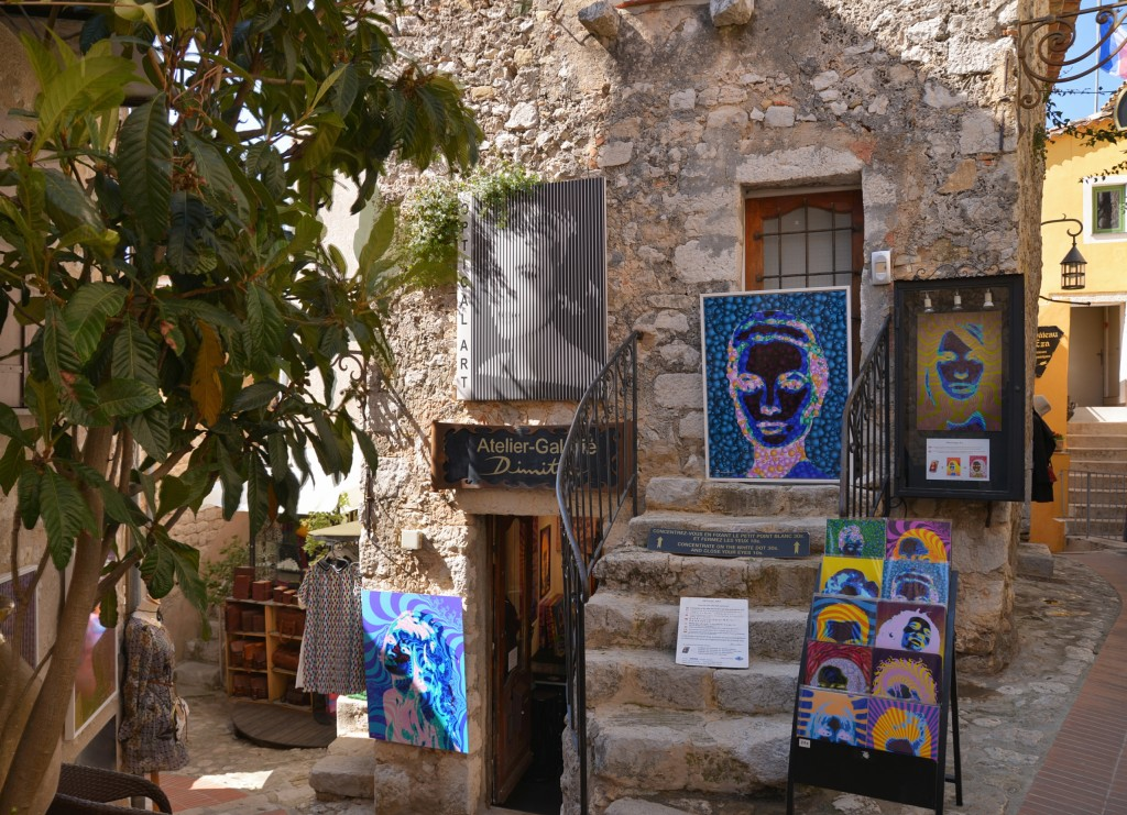 #Art in Eze Village
