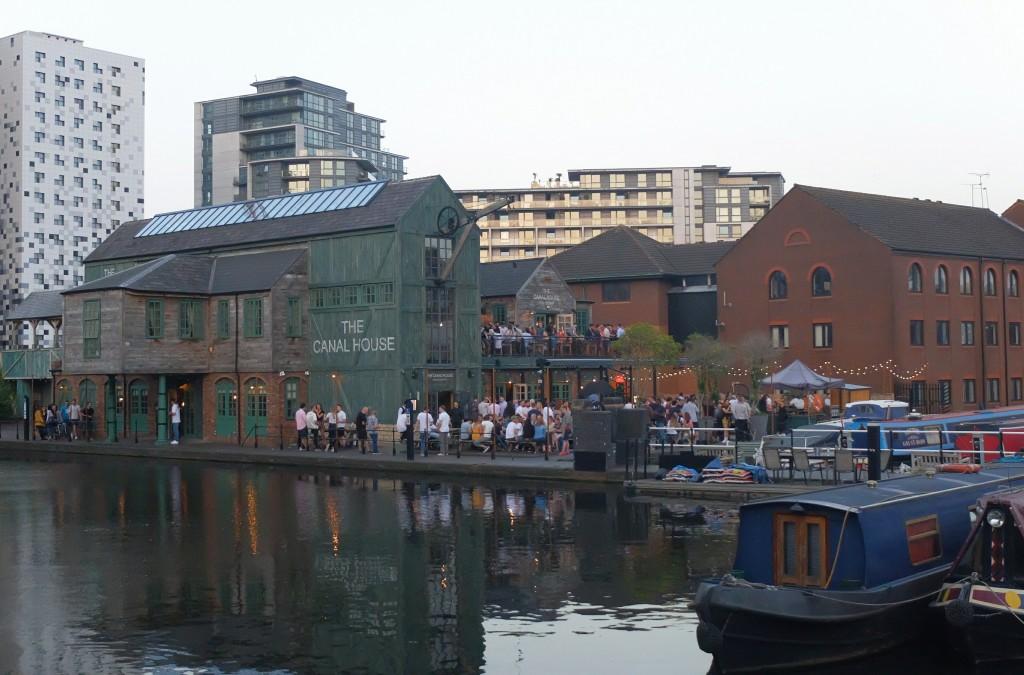 Zachód słońca na The Canal House, Birmingham