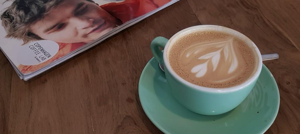 Kawa w duńskiej Coffee Lab, Lizbona
