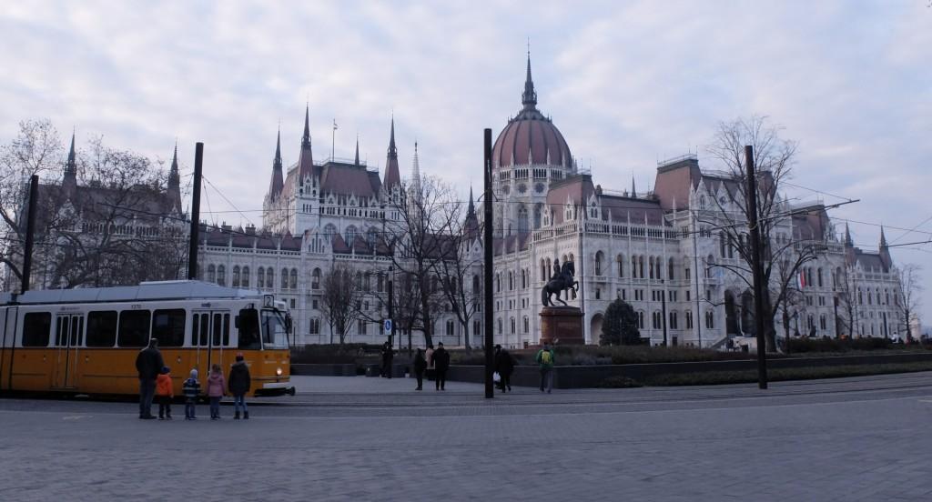 Budapeszt 6, Parlament