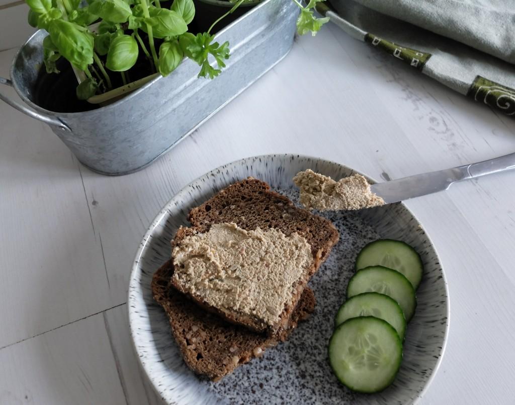 Pasta kanapkowa z ziaren słonecznika