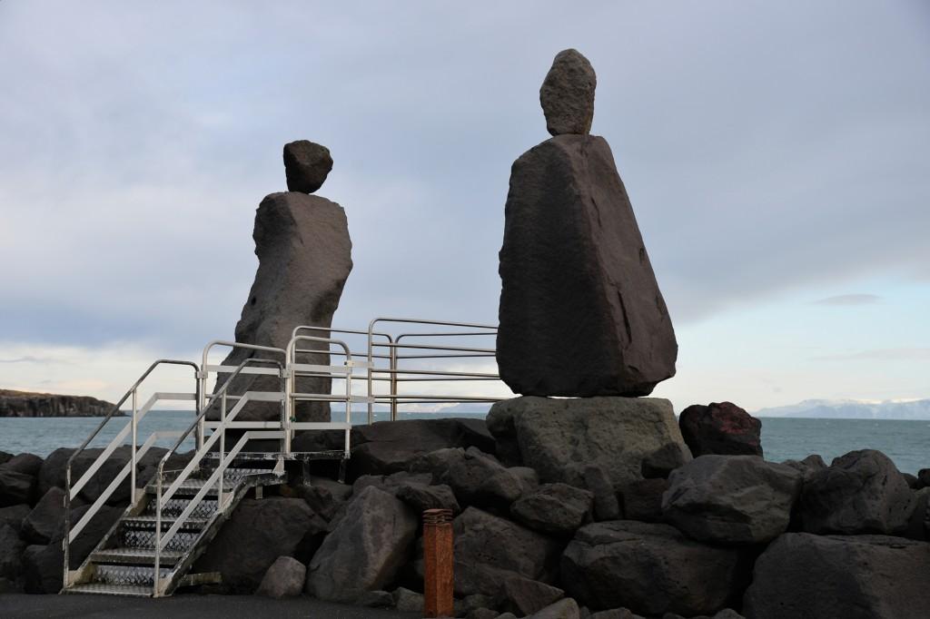 Spoglądając w morze... Keflavik, Islandia