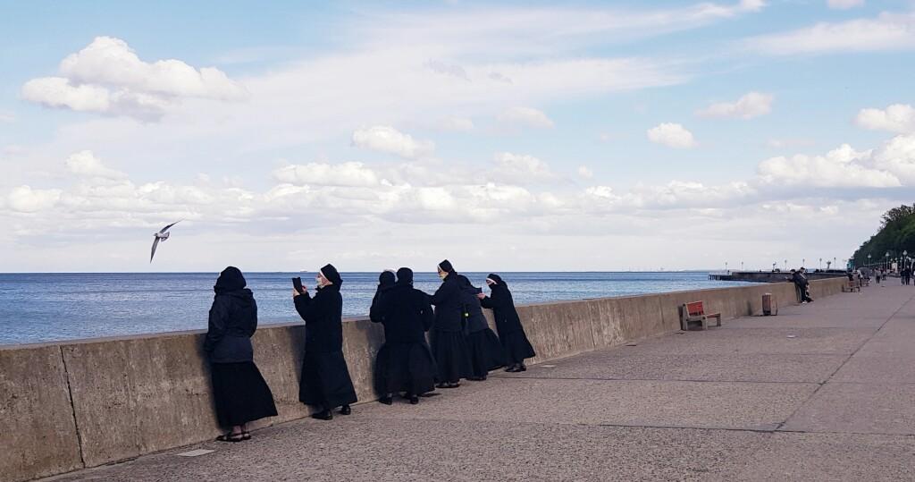 13. Siostry nad morzem