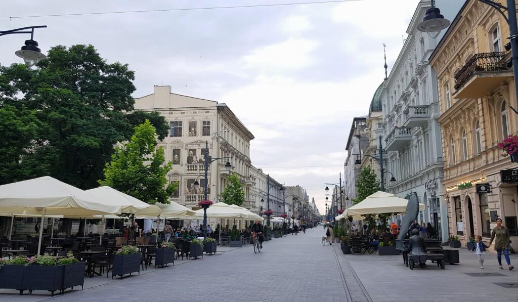 Na ul. Piotrkowskiej, Łódź