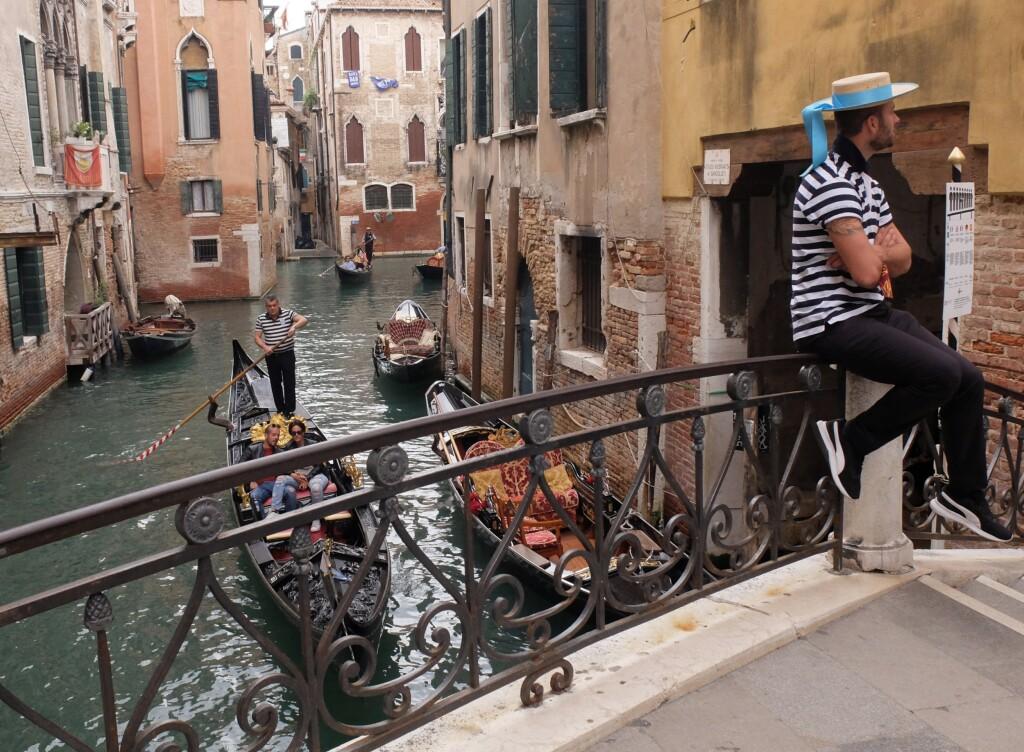 Wenecja - Gondolierzy