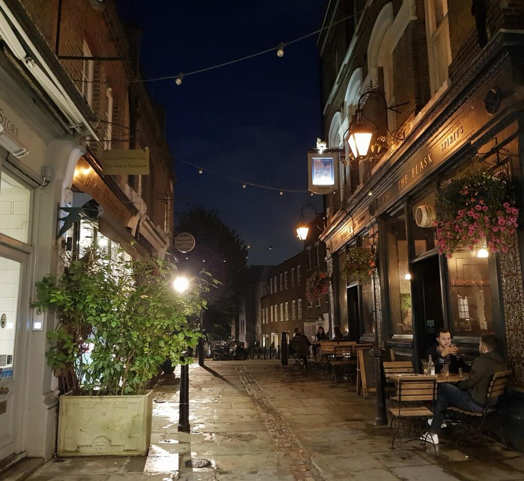 Hampstead wieczorową porą